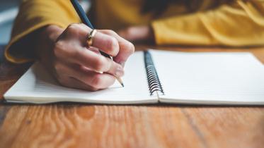 Rabiscos: o papel como ferramenta para aliviar a tensão