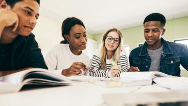Jovem Escritor: projeto incentiva produção literária de estudantes