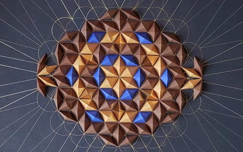 """""""Engenheira do papel"""": artista cria formas geométricas incríveis utilizando apenas papel"""